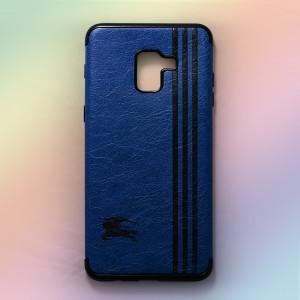 Ốp lưng da Samsung Galaxy A8 2018 khắc hình Burberry (Xanh)