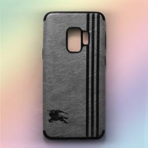 Ốp lưng da Samsung Galaxy S9 khắc hình Burberry (Xám)